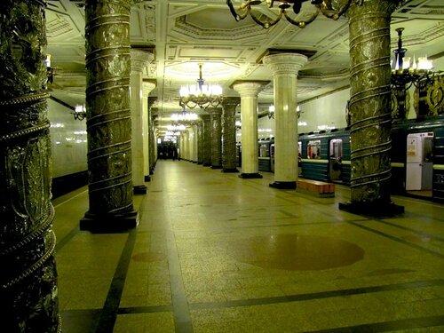 """Станция метро """"Автово"""""""