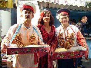 Ярмарку с центральной площади Владивостока перенесут на крытый рынок. Куда? Зачем? И как взлетит цена продуктов?