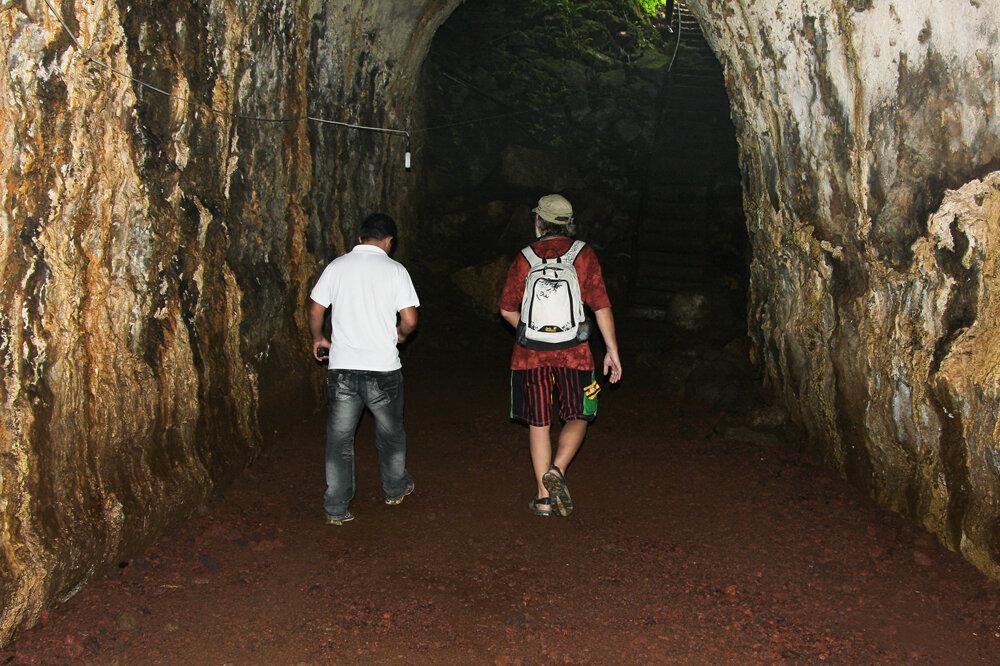 Лавовые тоннели