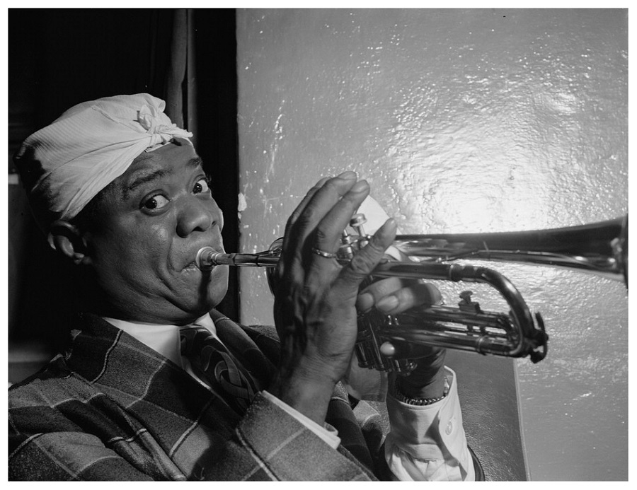 1 Louis Armstrong, Aquarium, New York,1946.jpg