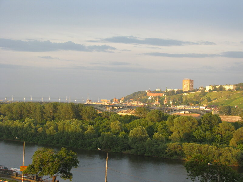 Вид из нашего окна на Оку и Кремль на том берегу