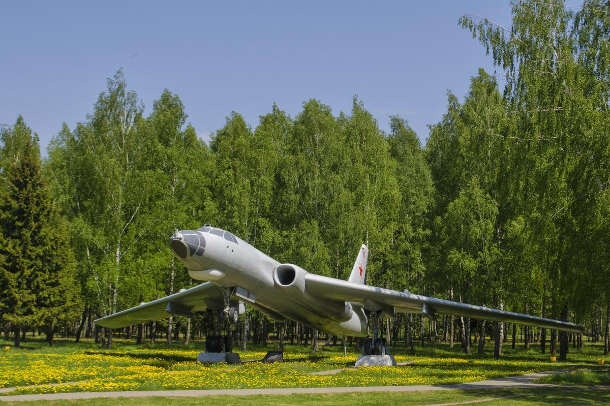 Мемориальный самолёт – Ту-16