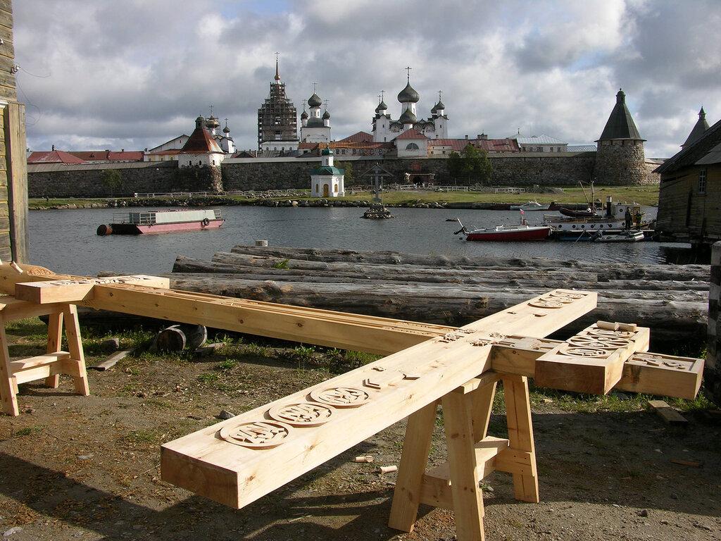 Поклонный крест в честь 1000-летия памяти крестителя руси установили в v благочинии