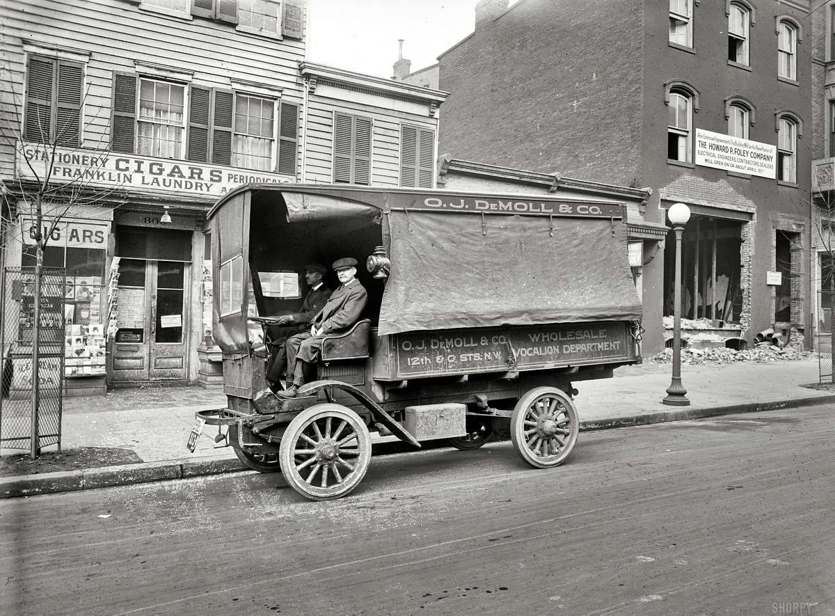 Грузовые автомобили начала 20-го века на снимках американских фотографов (9)