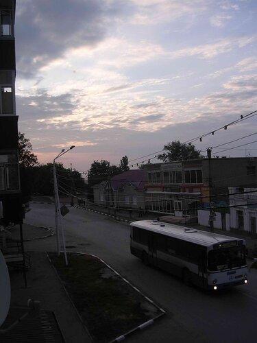 Шесть утра. Первый автобус