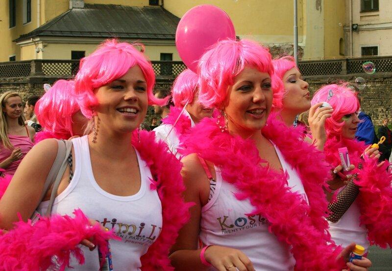 Самый блондинистый подвид блондинок - это flavus rhodinus или блондинка розовая.