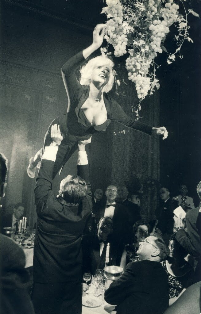 Jayne Mansfield .Berlin 1961 by Robert Lebeck