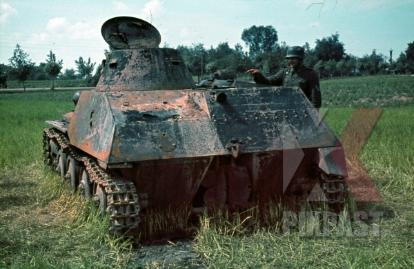 stock-photo-soviet-light-swimming-tank-t40-russia-1941-8938.jpg