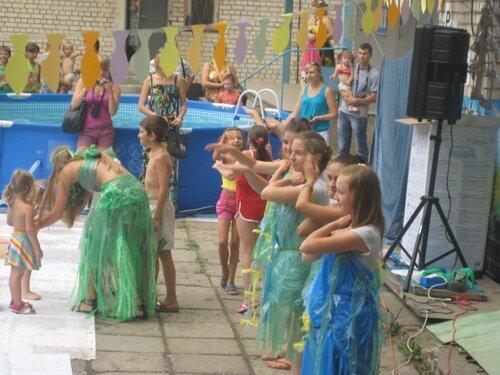 Костюм ко дню нептуна для детей своими руками 129