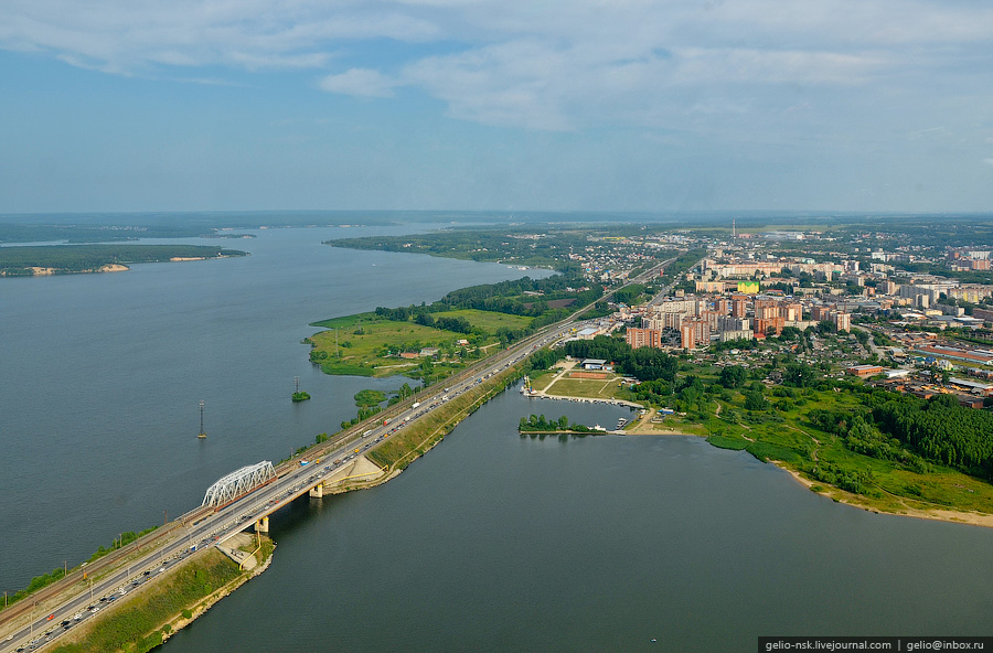 Пригород Новосибирска. Бердск с высоты (2011)