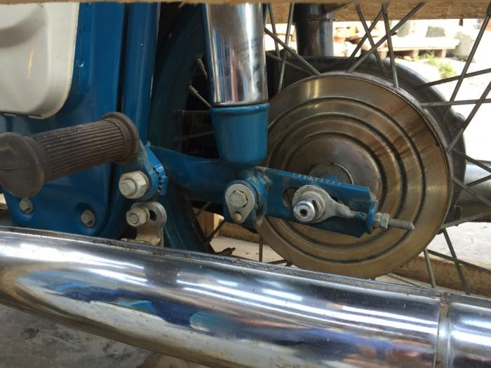 Новенький мотоцикл ИЖ Юпитер-3 1976 года