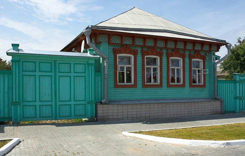 улица Лазарева, 16