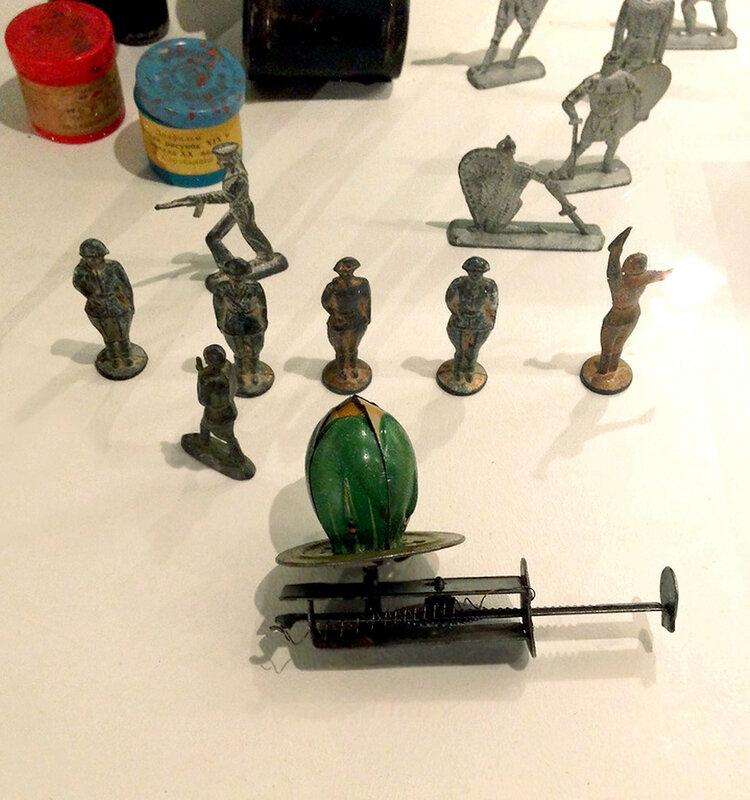 Оловянные солдатики и механическая лилия с Дюймовочкой