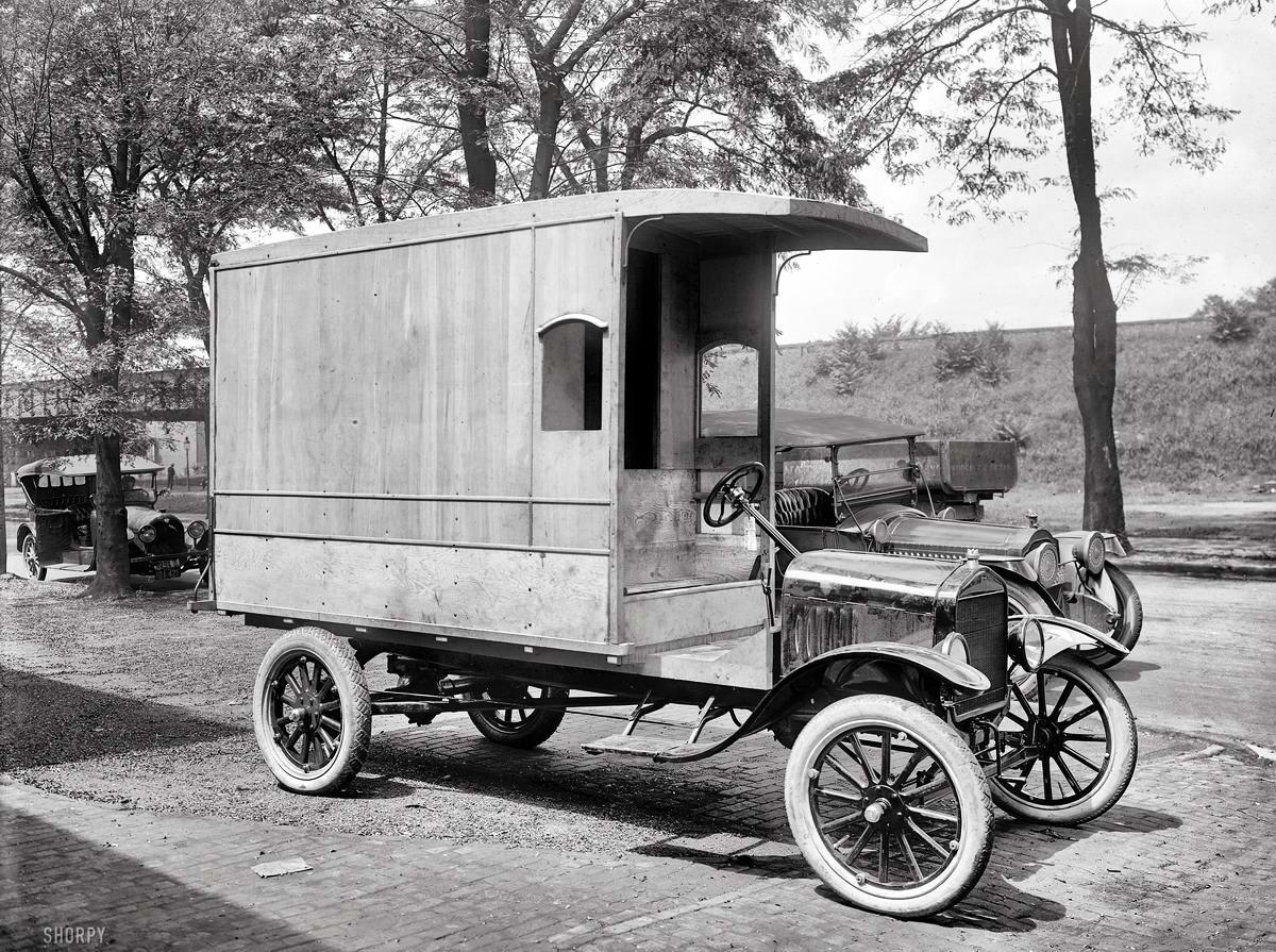 Грузовые автомобили начала 20-го века на снимках американских фотографов (13)