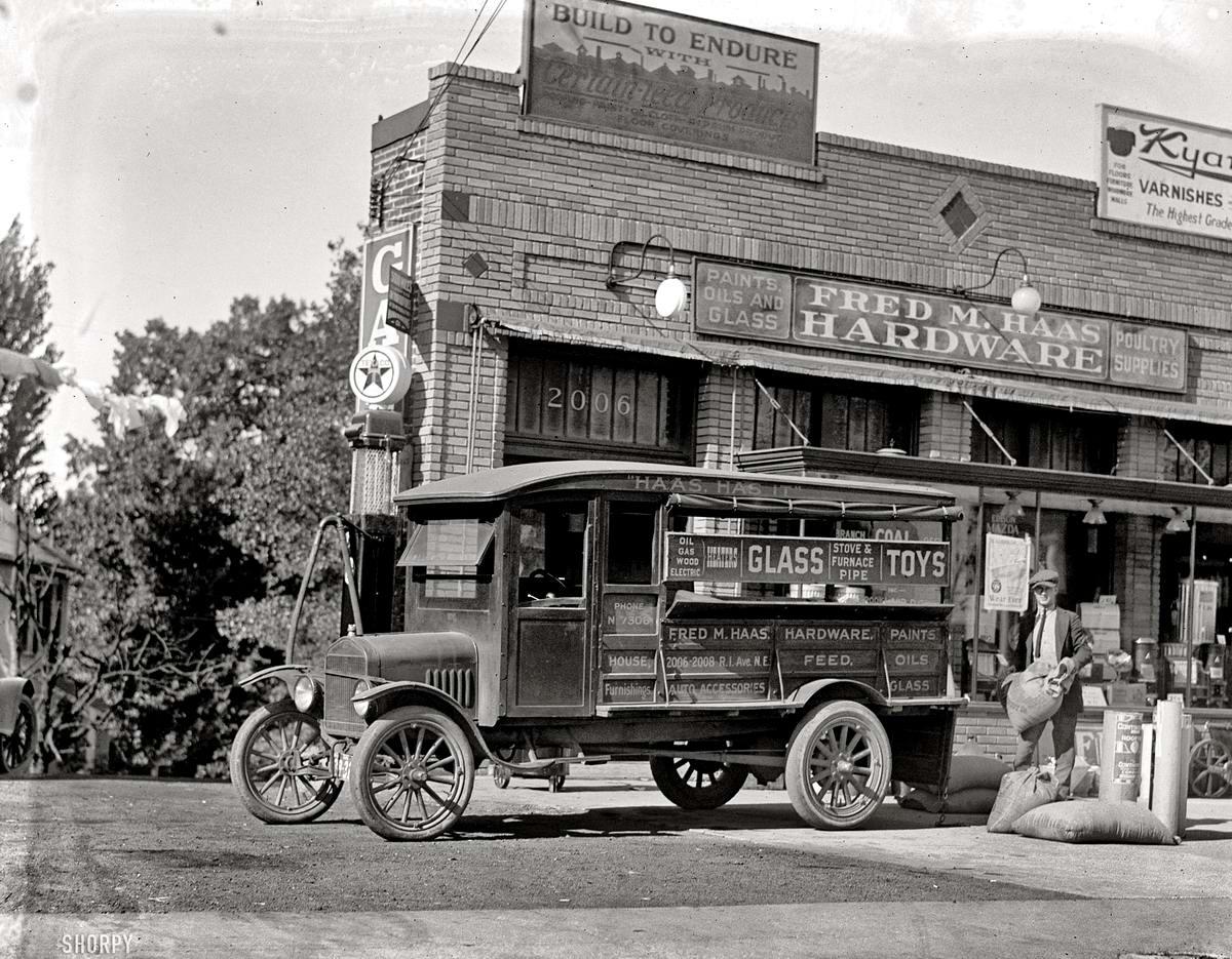 Грузовые автомобили начала 20-го века на снимках американских фотографов (17)