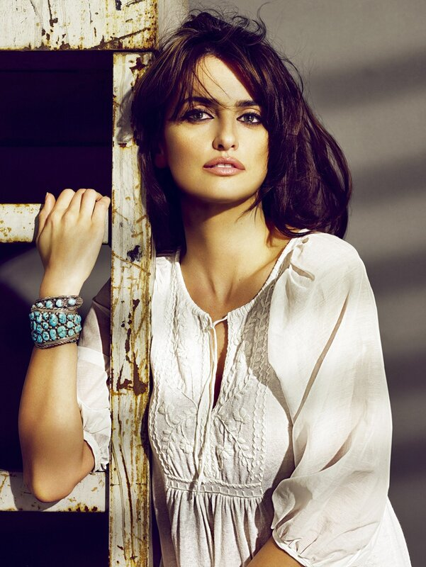 Пенелопа Крус (Penelope Cruz) и Моника Крус (Monica Cruz) 2009
