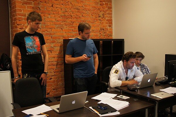 Петр Васильевич Гуленко, главный редактор, в Твиттере @pgulenko