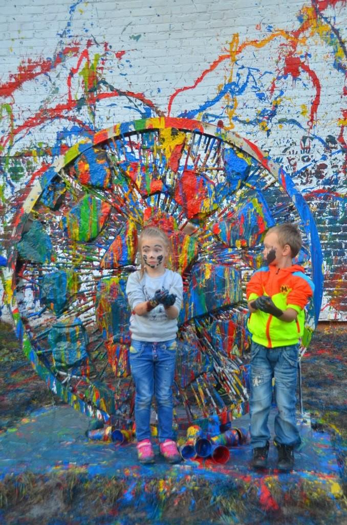 Юные художники на открытии скульптуры (18.09.2015)