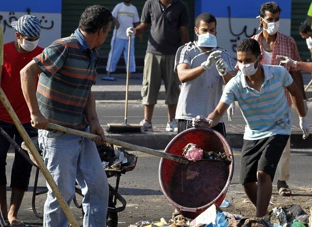Libyan citizens clears garbage in Tripoli