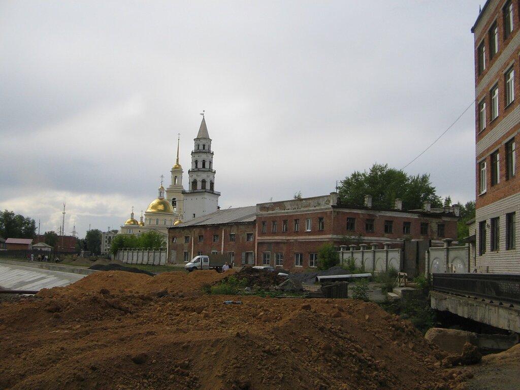 Утерянный Невьянск. Старые затворы плотины