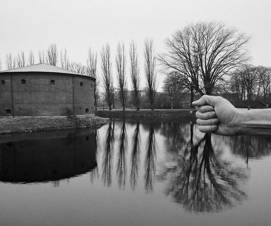 Фотограф использует свое нагое тело для создания фантастических миров