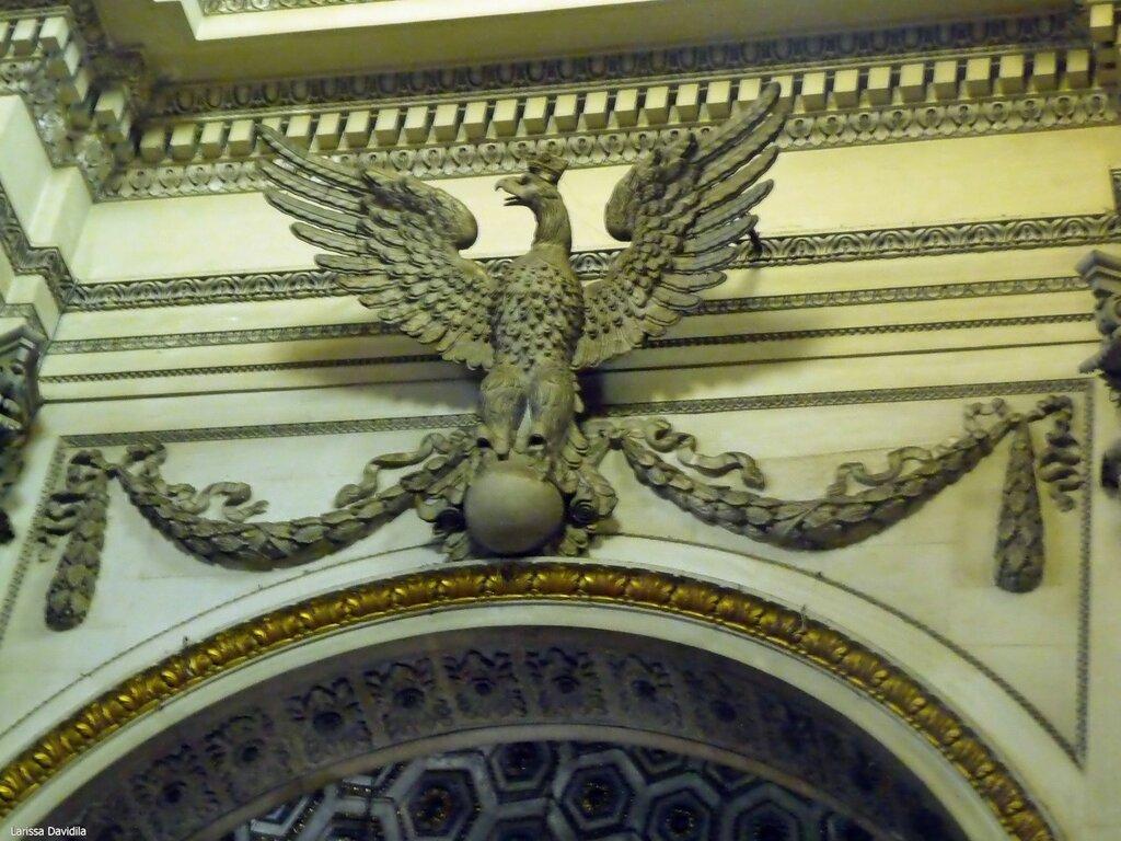 Орёл над капеллой Св. Розалии - символ Палермо.