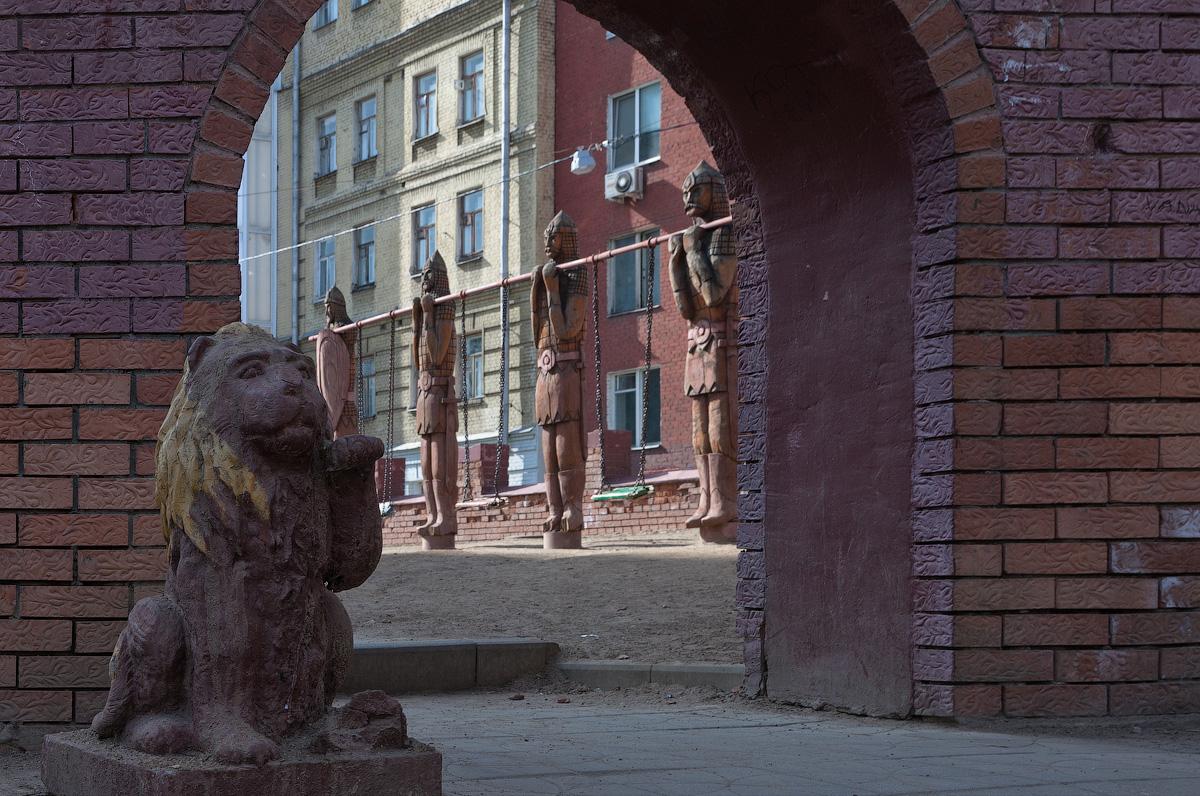 Пушкинский дворик (Детская площадка с оригинальными объектами)