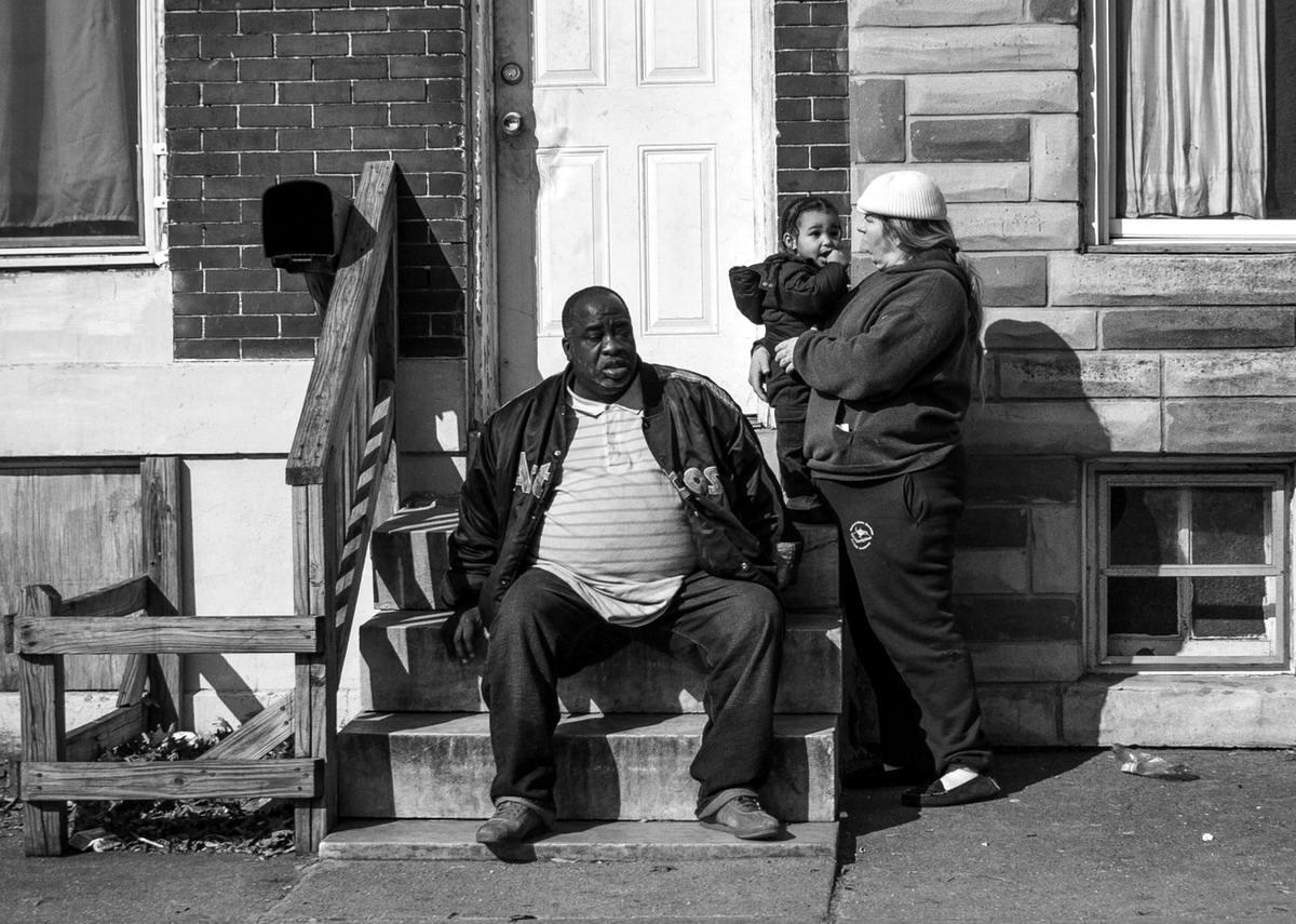 Неулыбчивая Америка: Черно-белая жизнь в бедных кварталах современного Балтимора (33)