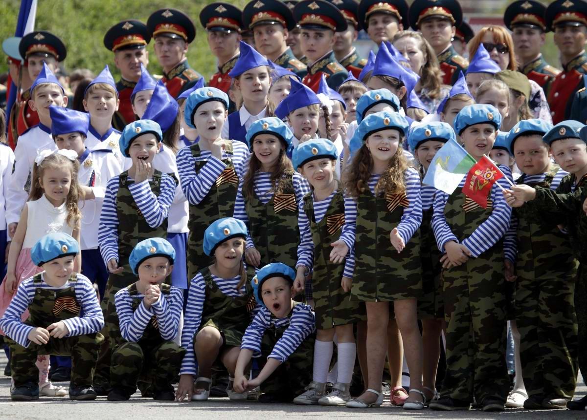 Между правдой и ложью: Про Парад детских войск в Ростове-на-Дону (18)
