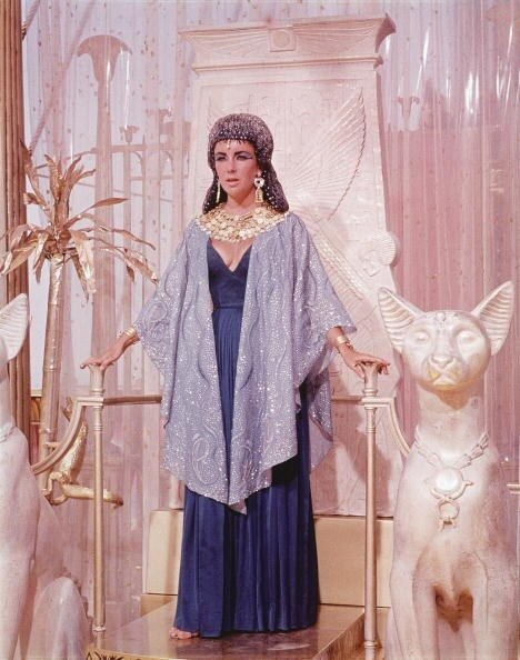 Elizabeth Taylor On Throne As 'Cleopatra'