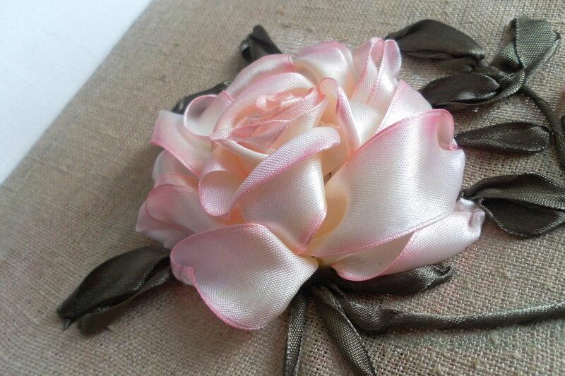 Вышивка лентами розы-мастер класс 15