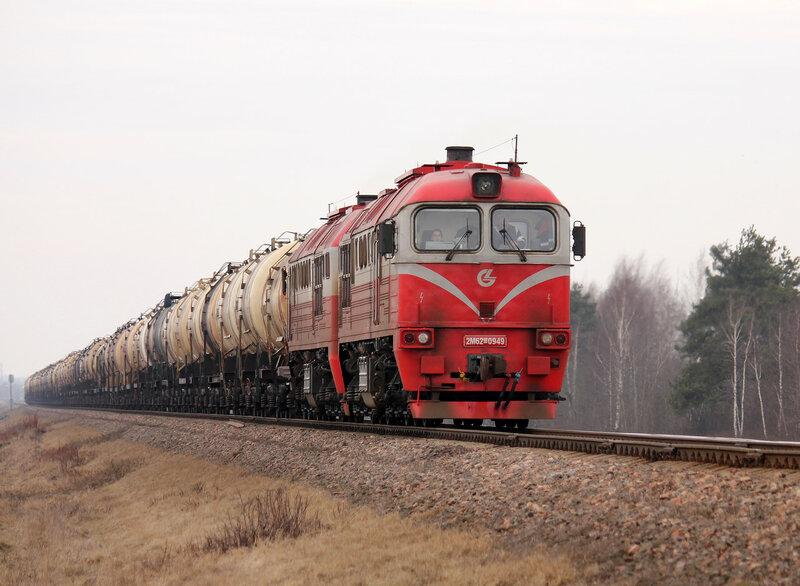 2М62М-0949 на перегоне Пруды - Молодечно