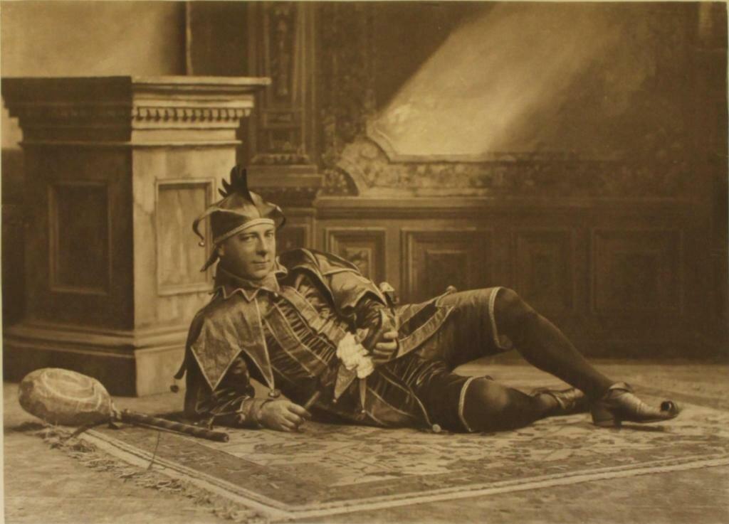 mr-henry-holden-as-will-somers-queen-elizabeths-court-jester-copy.jpg