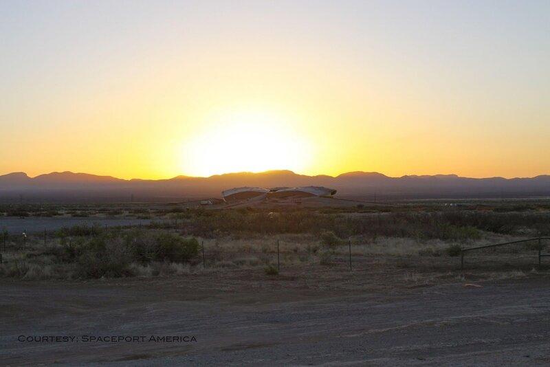 Открылся первый частный космопорт - Spaceport America. Начаты запись и бронирование билетов. Полеты стартуют уже в следующем 2012 году.
