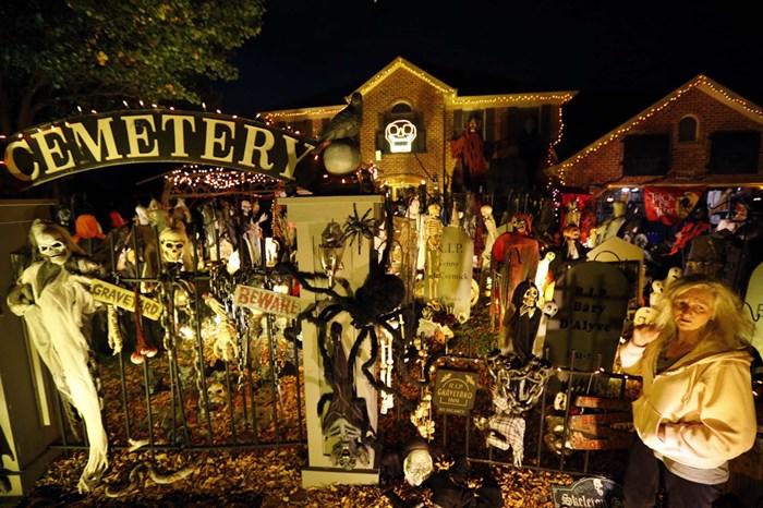Тыквы и страшные костюмы: мир празднует Хэллоуин 2014 года 0 106ab5 9ca66bc4 orig