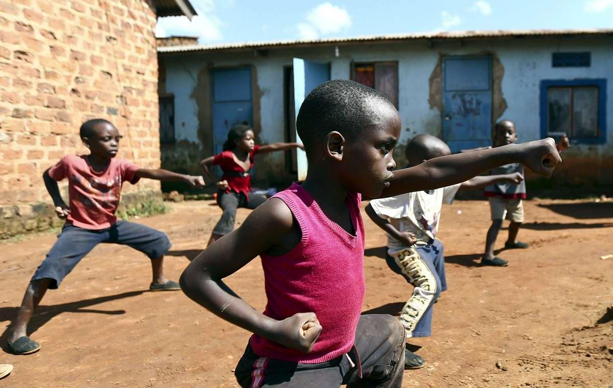 Современная Африка: Крутые угандийские парни ... и девушки
