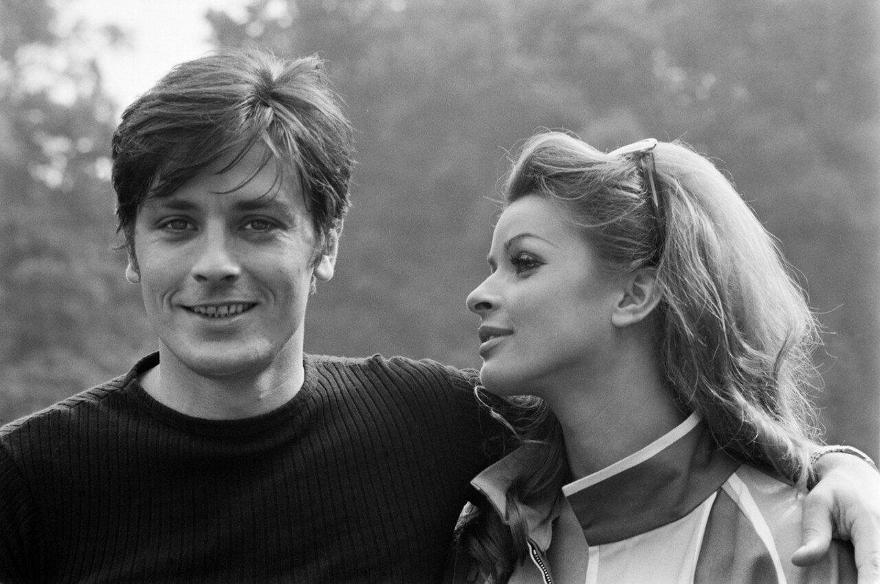 1967. С Сентой Бергер на съемках фильма «Дьявольски Ваш»