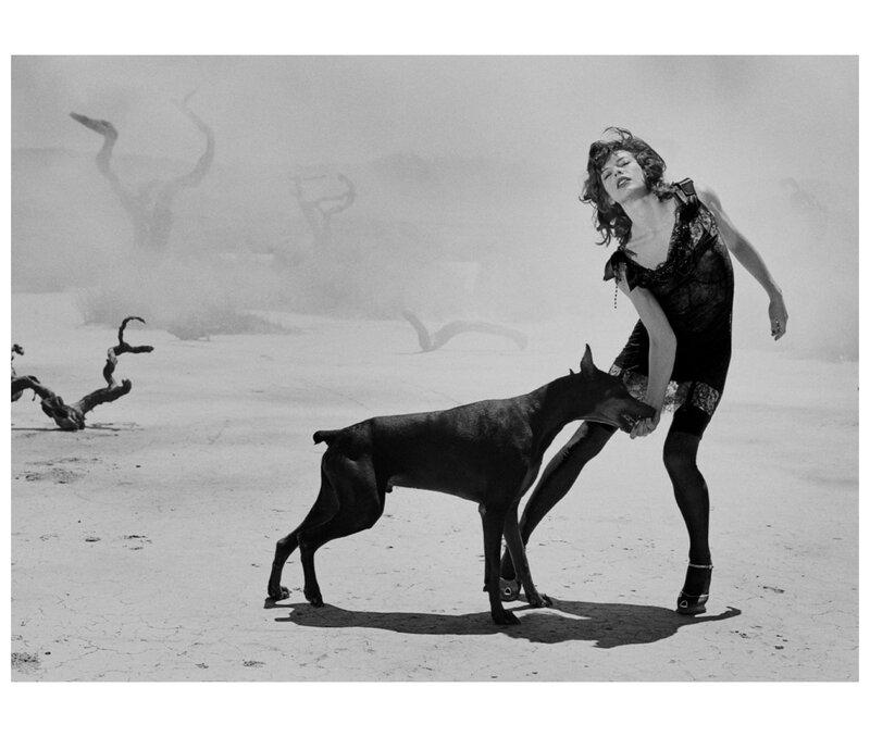 milla-jovovich-vogue-italy-mojave-desert-california-usa-2005-peter-lindbergh.jpg