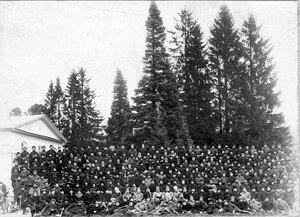 Группа личного состава пограничного отряда на станции Левашево.