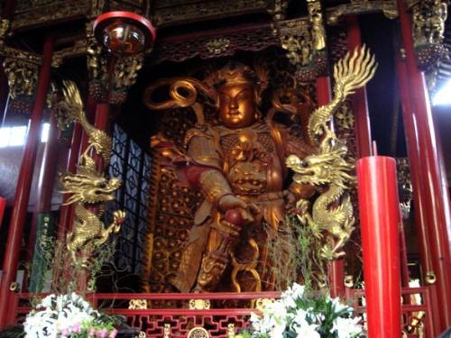 Сканда Будда в павильоне Небесных Царей, Монастырь Линъиньсы, Ханчжоу