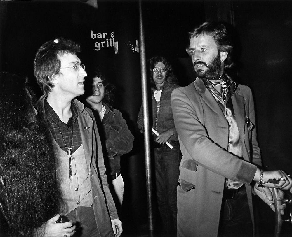 Джон Леннон (John Lennon) и Ринго Старр (Ringo Starr), 1976 by Brad Elterman