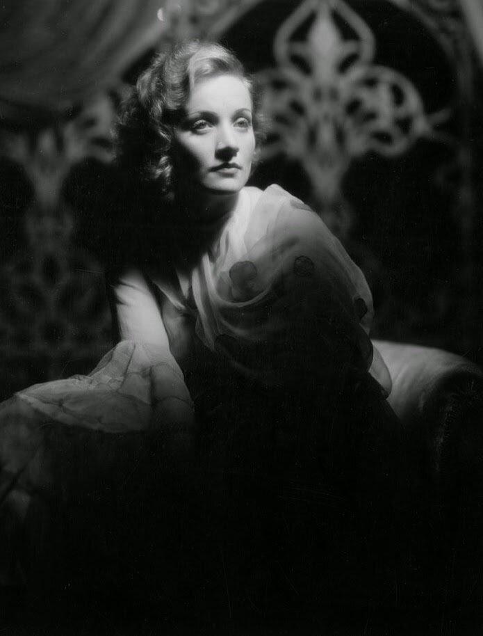 Marlene Dietrich, 1931.jpg