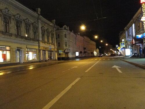 Покровка ночью