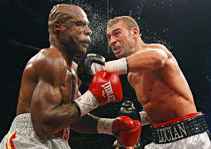 спортивный год 2011 - боксерский поединок между Лучианом Буте и Гленом Джонсоном