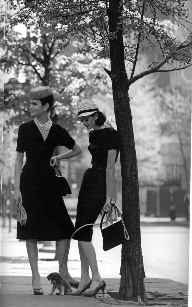 Jerry Schatzberg.Isabella and Anne St. Marie, Gramercy Park, New York, 1959