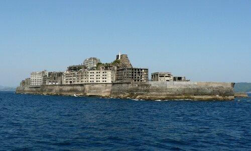Покинутый остров Хасима (фото)