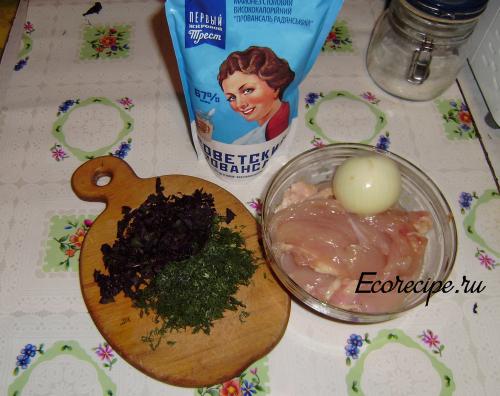 Ингредиенты для рубленых куриных котлет
