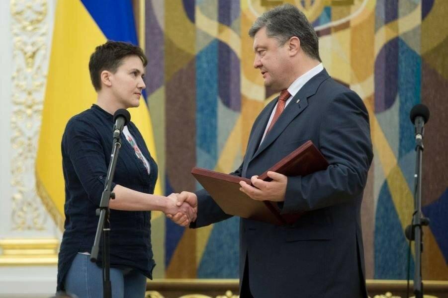 Савченко у Порошенко после освобождения.jpg