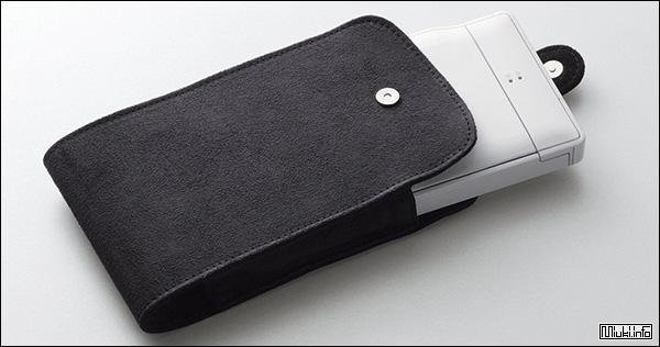 Полноразмерная клавиатура для смартфона от японской компании Elecom