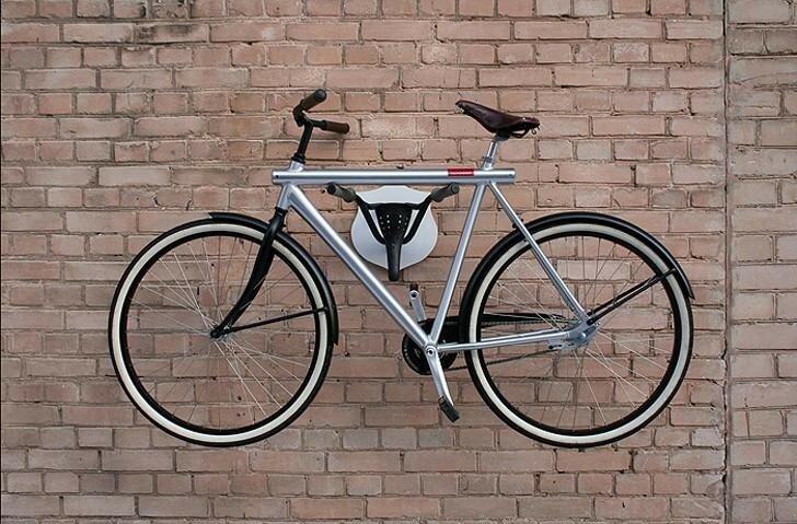 Несколько замечательных идей, как хранить велосипед дома